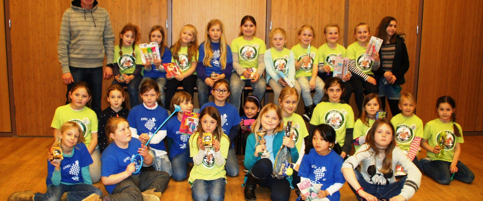 Permalink auf:Mädchenschach wird an der Brüder-Grimm-Schule und in Alpen groß geschrieben
